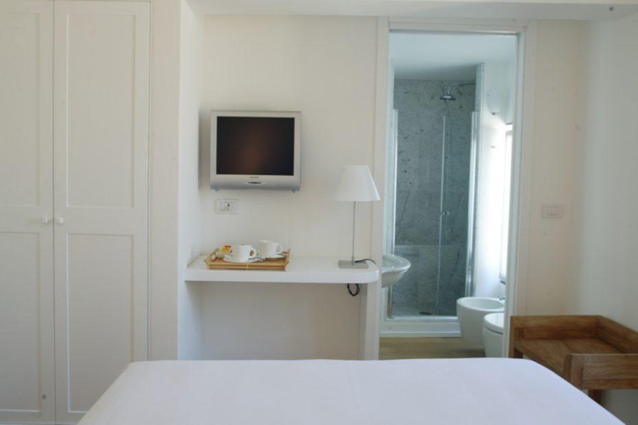 Room-20_Long_1